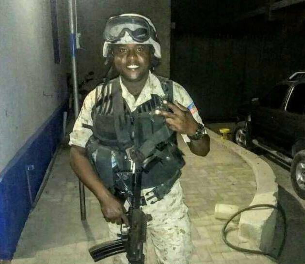 Jimmy Cherisier aka Barbecue is a former police officer and current death squad leader implicated in several massacres, including a 2017 UN massacre at a school. He is no doubt a CIA asset. #Haiti https://t.co/1K0alUCFh5