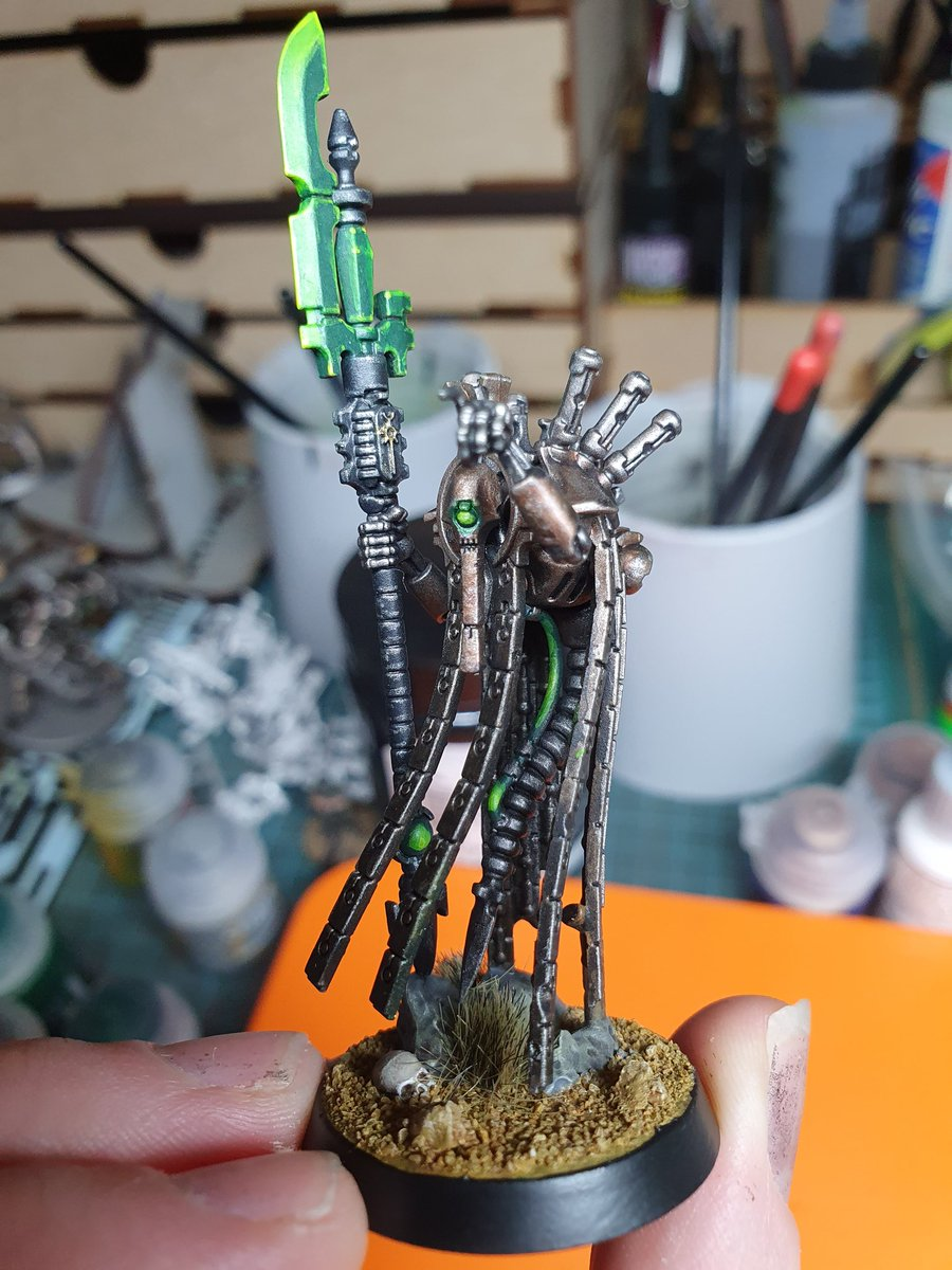 Painted a new Necron from Indomitus. Really fun models to paint. 🙂 #necrons #WarhammerCommunity #warhammer #warhammer40k #grimdark #Indomitus https://t.co/FX03mQX0UU