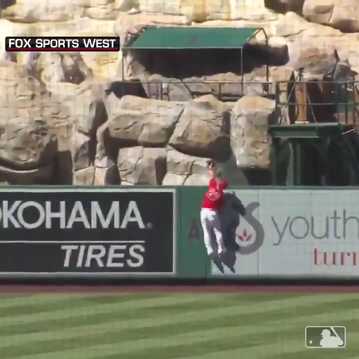 Cap off your Sunday with @MikeTrout and Shohei Ohtani home runs. 💪