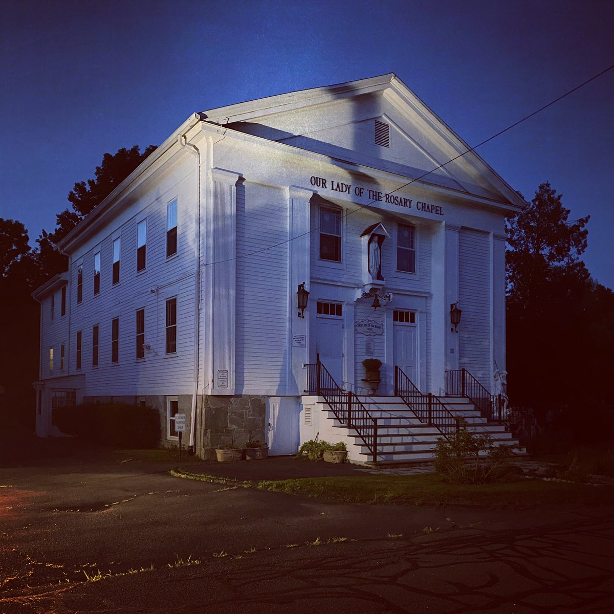 The Our Lady Of The Rosary Chapel  where thousands of exorcisms have been performed and many of which assisted by Ed and Lorraine Warren.#edandlorrainewarren #nespr #theconjuring #paranormal #supernatural #haunted #exorcism #horror #horrormovies #creepypastapic.twitter.com/g8haN7pVlr