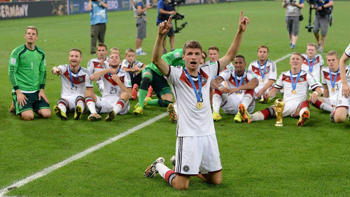 📆 #TalDíaComoHoy, en 2⃣0⃣1⃣4⃣...   ¡Siete jugadores del #FCBayern se convirtieron en campeones del mundo! 🏆🌍  🔗 https://t.co/TnMwNKlJAa #MiaSanMia #FCBayern https://t.co/dqytnqHWXR