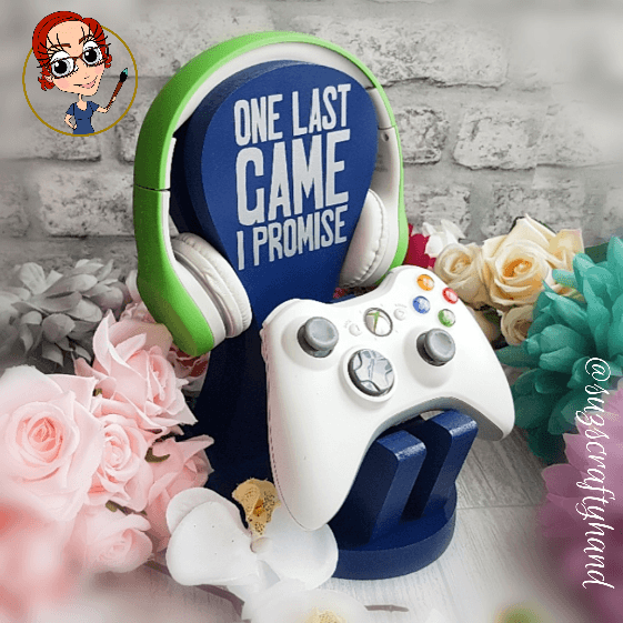 These stands are perfect gifts for the gamers in your life.    Handmade by our very talented Craftie @suzscraftyhand and currently available in her Conscious Crafties shop!  #consciouscrafties - #handmade #gift #gaming #colours #gamer #xbox #playstation https://t.co/s6U7eqAXcx
