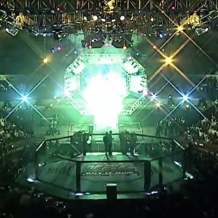 #OnThisDay in 2002: The Octagon touched down in London for the very first time! 🇬🇧  📺 Watch more on @UFCFightPass https://t.co/vmoIGfdZAG