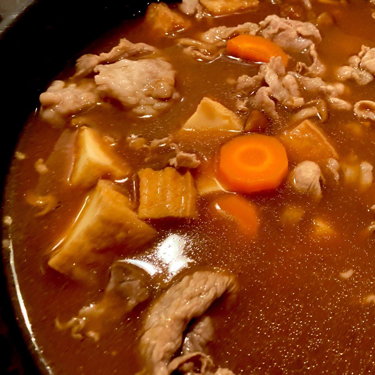 同時進行で・赤だしの豚汁(里芋、人参、ごぼう、なめこ、生絹揚げ、豚肉)・おくらのマヨおかかあえ#ねるご飯