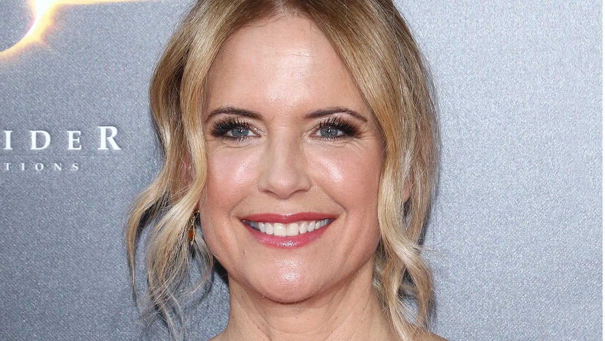 Kelly Preston, actress in 'Jerry Maguire,' 'For Love of the Game' and more films, dies at 57  http:// thr.cm/sW8fSlM    <br>http://pic.twitter.com/6HE3DzH93a