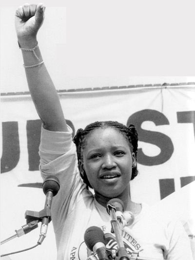 The giant tree has fallen, the daughter of the soil @ZindziMandela is no more and may your soul Rest In Peace Zindziswa Mandela #RIPZindziMandela ✊🏿