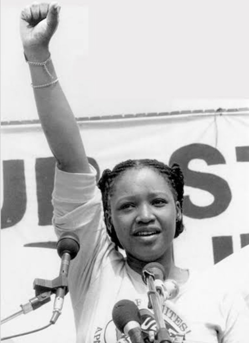 Devastated by the passing of #ZindziMandela. An absolutely fearless woman. May her soul rest in peace  <br>http://pic.twitter.com/3dGYuSemyr