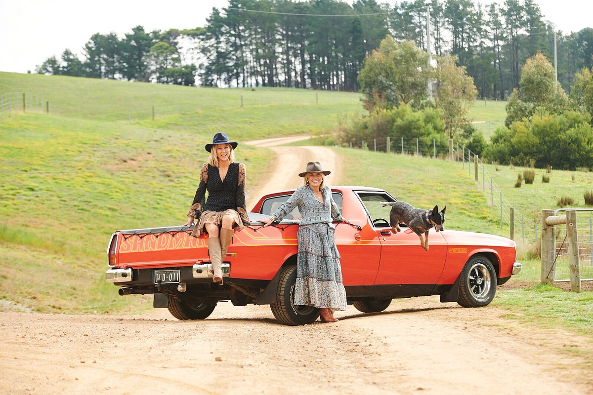 """Love a smoking hot '70s Sandman ute & this beauty features in House&Garden mag in my """"Great House/Great Car"""" column. August issue out today #houseandgarden #Sandman #holden #ute #70s #vintagecars #classiccars #farmlife #farmhousestyle #interiors #farmhousedecor #rescuedog #akubra https://t.co/AgmsExYwoH"""