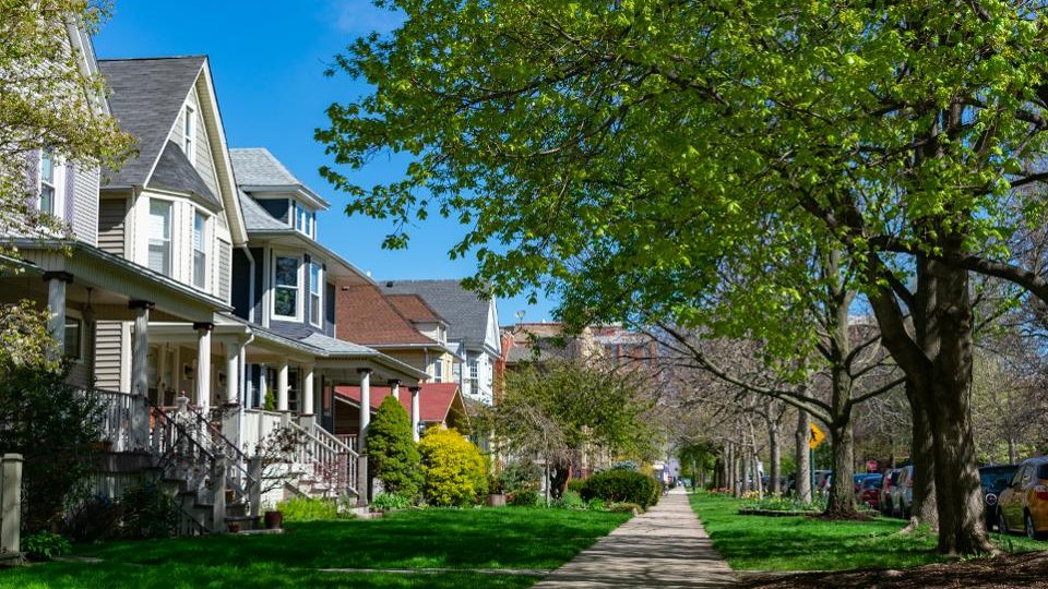 These housing markets are most at risk for a coronavirus-driven downturn: https://t.co/BW85ij1Npz https://t.co/lcj9y5dJk5
