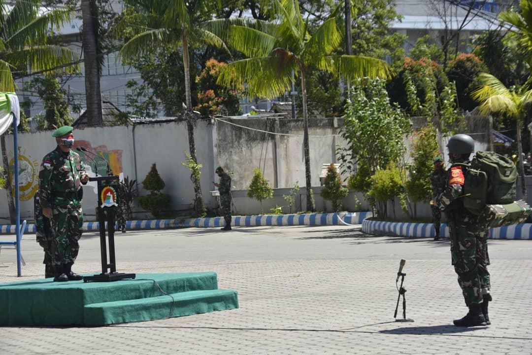 RT @tni_ad: Danrem 172 Pimpin Penerimaan Satgas Pamtas Yonif 413  #TNIADMengabdiDanMembangunBersamaRakyat https://t.co/Fi8JcHb8wt
