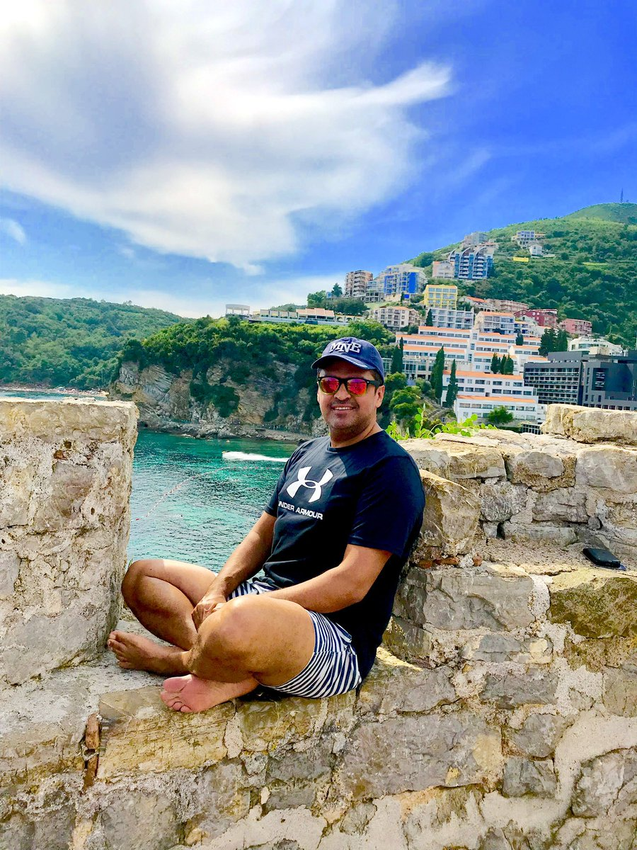 @MeGovernment Happy Birthday....have a great day....what a beautiful country & warm people...look forward to visiting Montenegro again soon.....