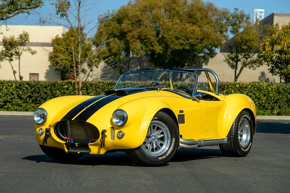 Yellow Car #Cobra #ACCobra #ClassicCar #Shelby #MuscleCar #MuscleCarMondaypic.twitter.com/mQBp47PzoB