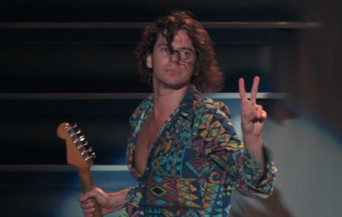 #MichaelHutchence #INXS #livebabylive #summerxs #wembleystadium #90smusic #90s #90snostalgia #rockstar #michaelhutchencelegend #musicmonday #MondayMotivatonpic.twitter.com/uh5Kltj8mM