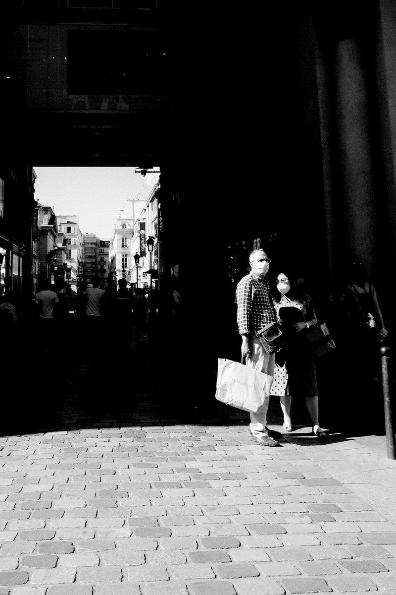 Paris . . . #bnw #street #photography #photographiederue #streetphotography #photoderue #streetlife #urbanphoto #monochrome #noiretblanc #bnw #blackandwhitepic.twitter.com/veMEdf81G2