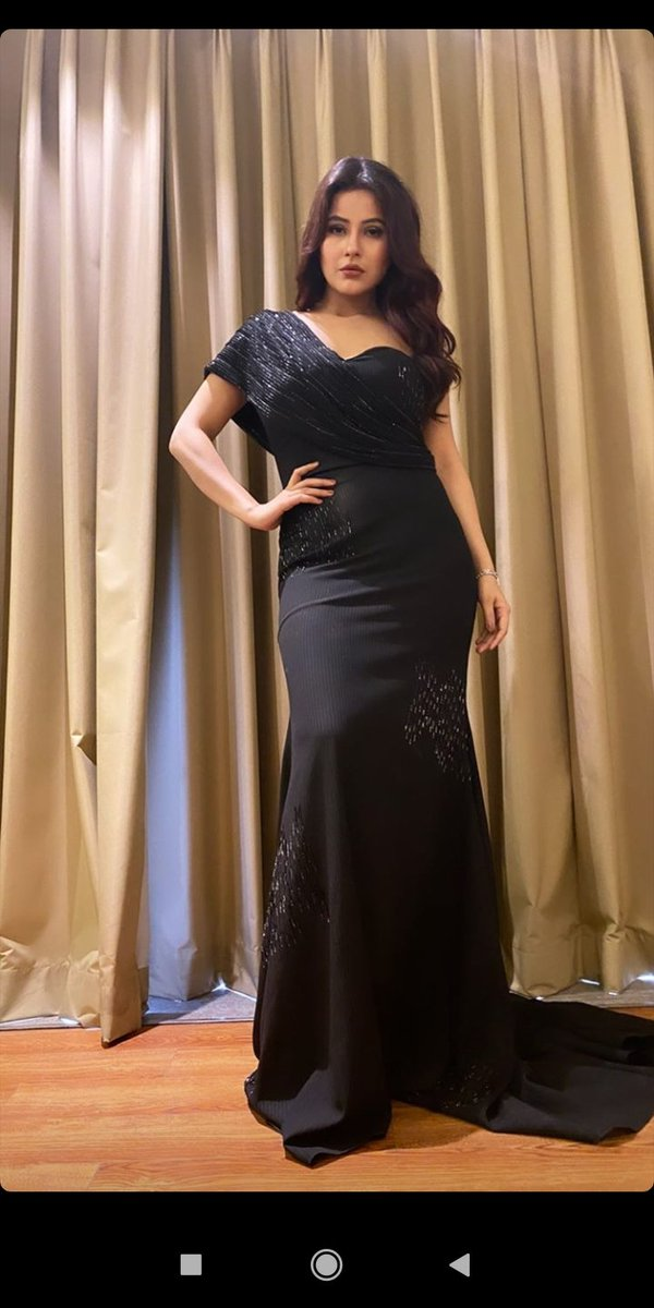 #MostLovedGirlShehnaaz Black beauty  My superstar @ishehnaaz_gillpic.twitter.com/tHoo2u2TNm
