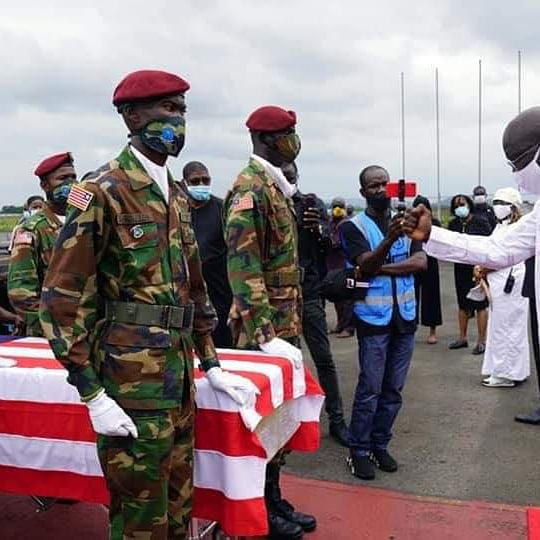 In her #death we get stronger, in her death we get more united, in her death we stand ready for #victory, in her death we move a nation further, in her death we rise up above the frail, in her death we lead!! #Munah, till we meet again! Farewell, farewell General and #leader 😭 https://t.co/tBrsdDHs6m