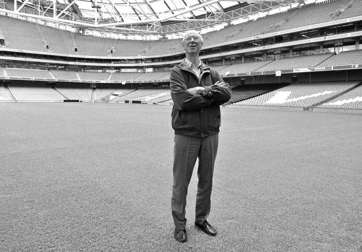 In the first 24-hours, over 12,000 fans from around the World have signed the FAI's Virtual Book of Condolences in memory of Jack Charlton  You can sign it here ➡️ https://t.co/HlLMZfrVcU #COYBIG https://t.co/6wb2eYoZOd