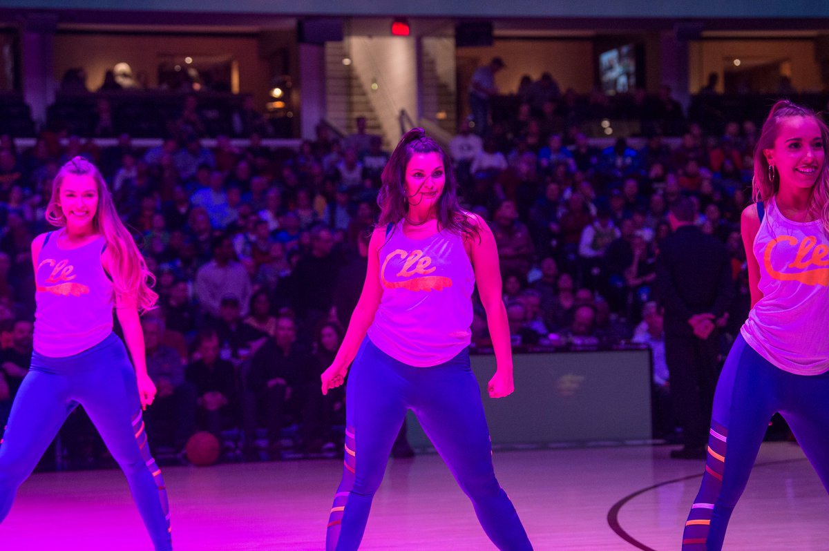 Missing that✨on court feeling✨ #Cavs #BeTheFight #GameDays #Throwback https://t.co/sYGQxmcQu5
