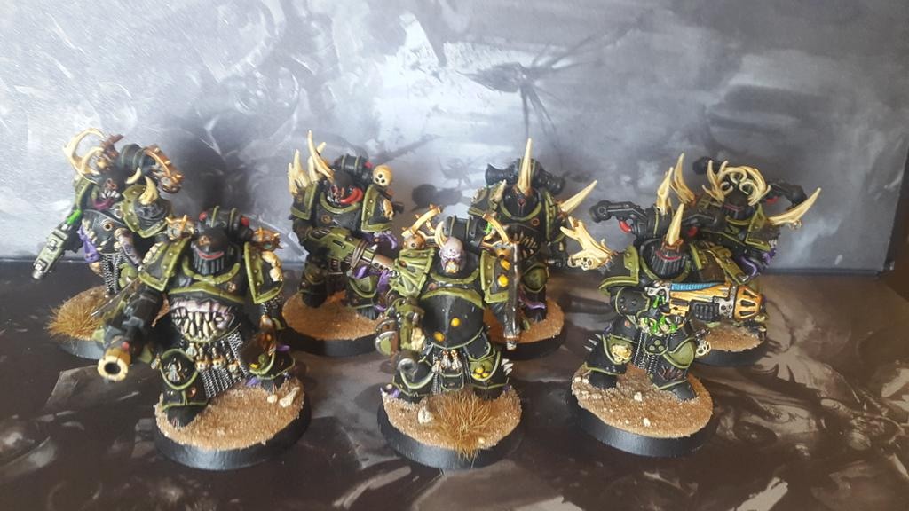 "Some more Plague Marines, dubbed the ""Bone Lords"" #40k #WarhammerCommunity #paintingwarhammer https://t.co/vi2wXLX7ce"