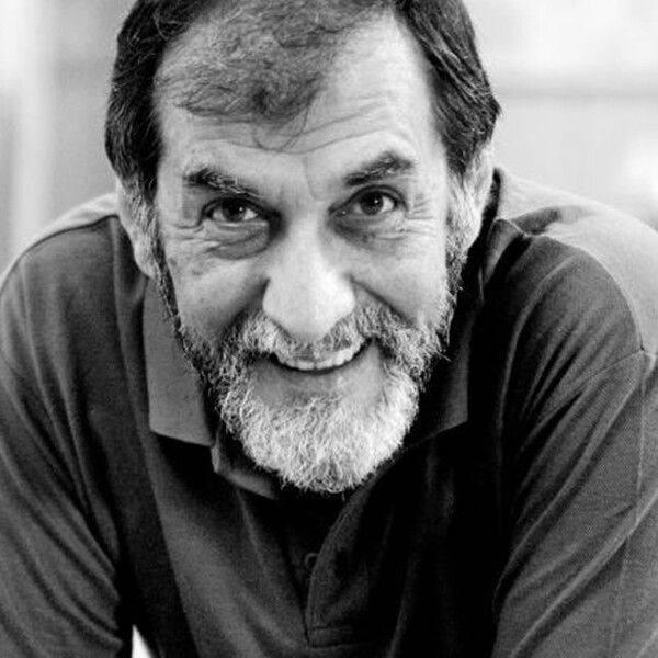 #TalDiaComoHoy nació en 1949 el actor y dramaturgo bilbaíno Ramón Barea, famoso por su faceta teatral y por películas como 'Negociador', 'Todos lo saben' o 'La muerte de Mikel'. ¡Felices 71 Ramón! 🎂 ♥ https://t.co/tEyitXUy7C