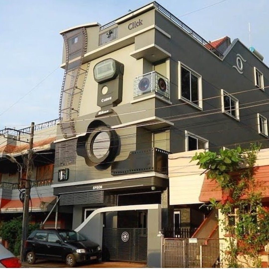 A camera shaped house in bengaluru build by Ravi hongal who is a photographer from Belgaum Karnataka. And even named his 3 sons  Nikon , Canon , Epson   This is called love for the passion <br>http://pic.twitter.com/kBidBxpFrH