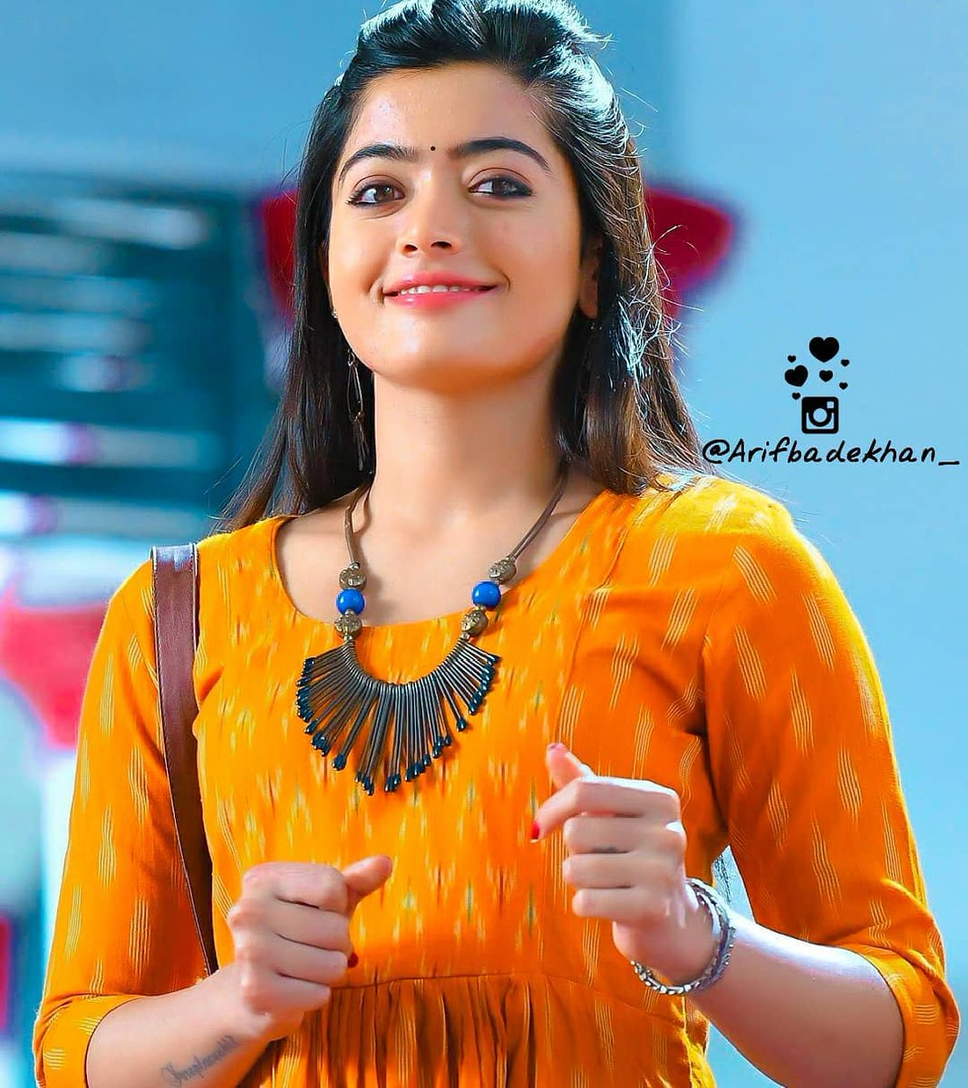 """""""I once had a thousand desires, but in my one desire to know you all else melted away"""" . . @iamRashmika #RashmikaMandanna pic.twitter.com/aE6EvGfPHD"""