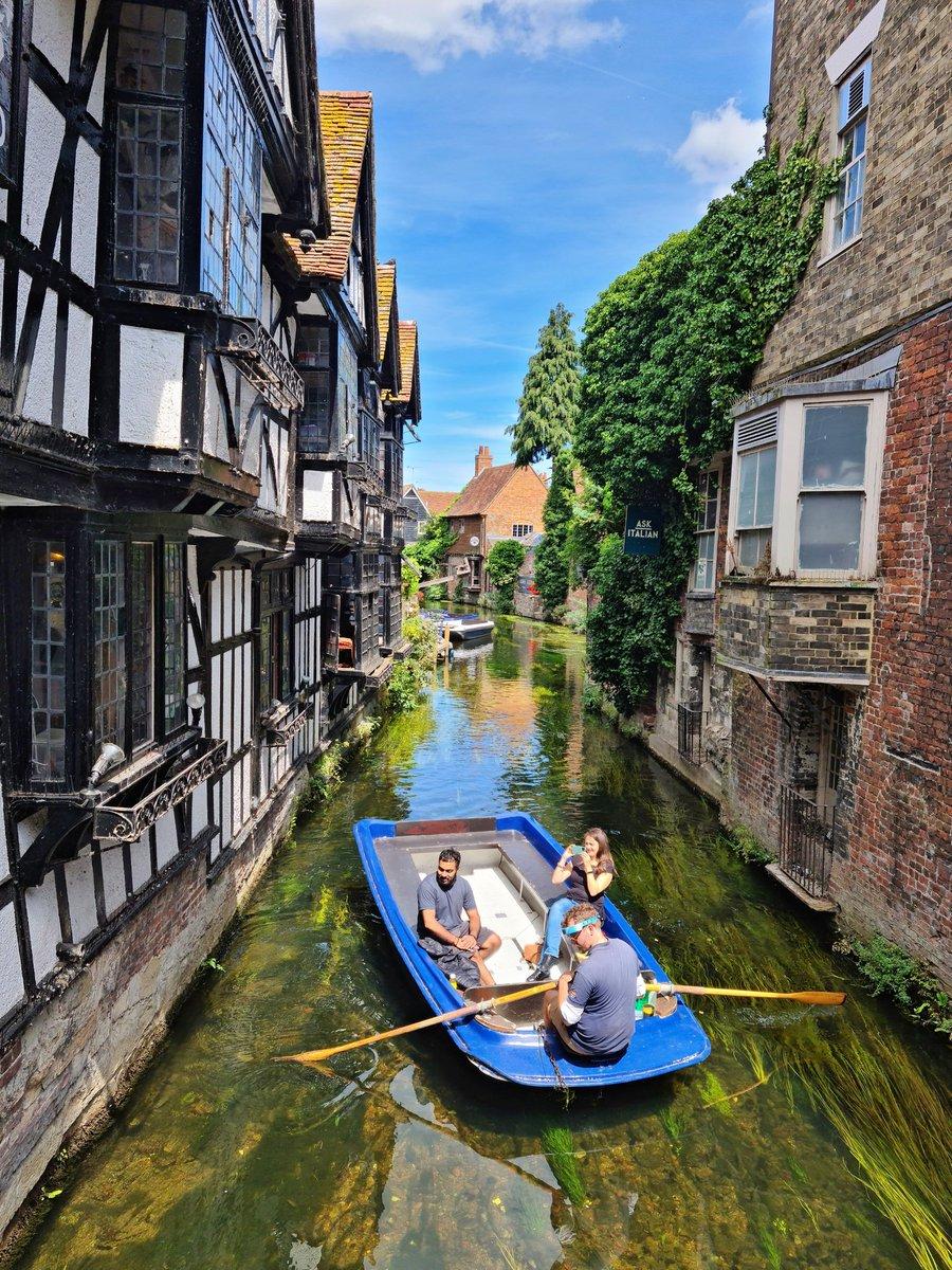 Canterbury is also  #Canterbury #Canals #omgb #VisitBritainpic.twitter.com/Q6cLqHHbQs