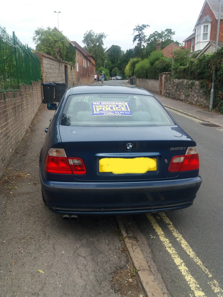 Whilst conducting a speed check in Oare, vehicle activated ANPR, stopped safely in Marlborough, no #insurance, no #licence vehicle seized and driver reported for offences #SRSU #5940 @MarlboroughCPT #roadsafetypic.twitter.com/mT1nRl5QJs