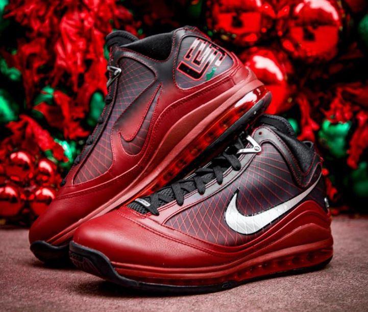 SALE: $112.97 Men's LeBron 7 'Christmas' on Nike US. Retail $200  https://t.co/IIYDM3qKT9  #AD https://t.co/PGndO4FGro