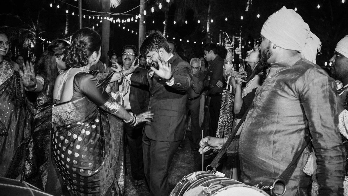 Who else is missing weddings? I know I am! #wedding #photographer #blackandwhite
