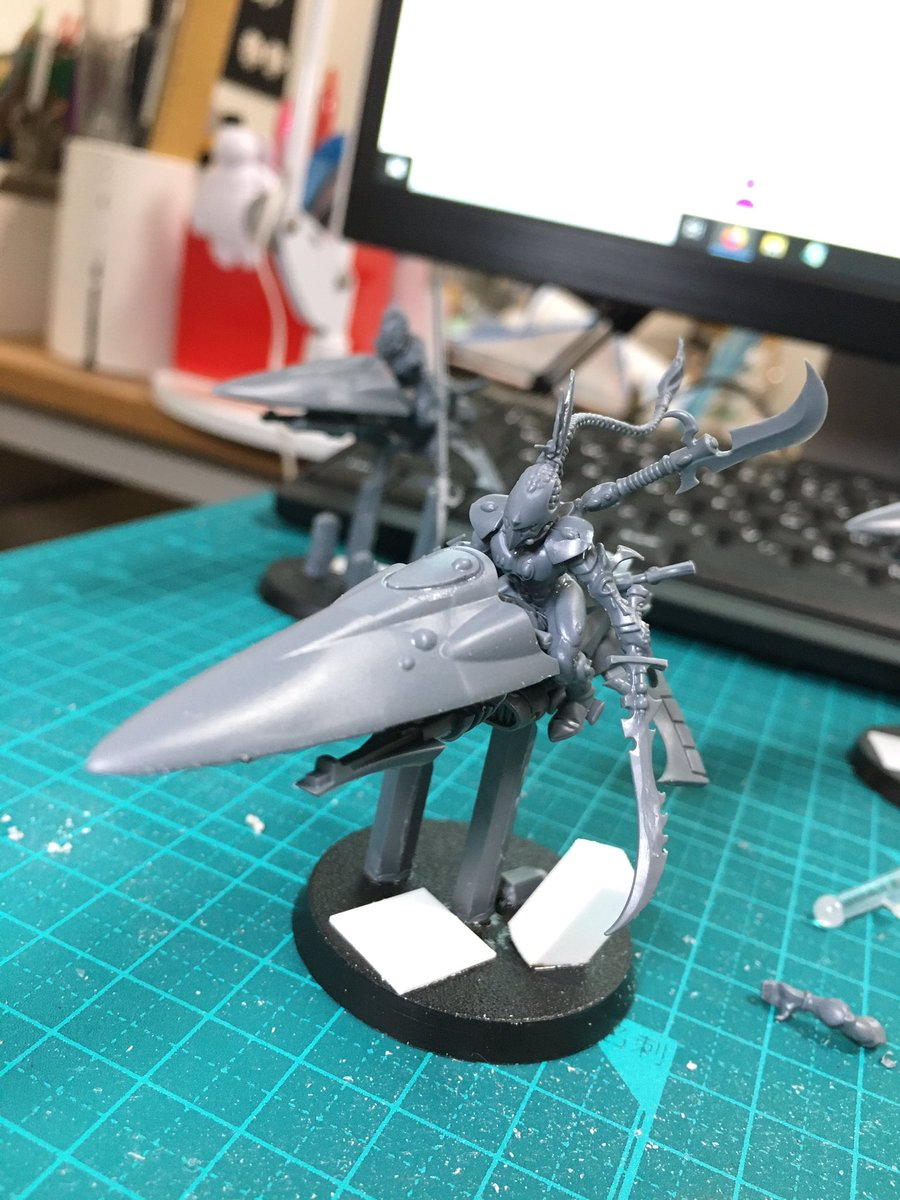 I can't imagine a situation where taking the sword would be better than taking the spear but just in case the Shining Spear Exarch has both. #kitbash #40k #eldar #aeldari #WarhammerCommunity #warhammer40k #warmongers https://t.co/5OcSR4xkUs