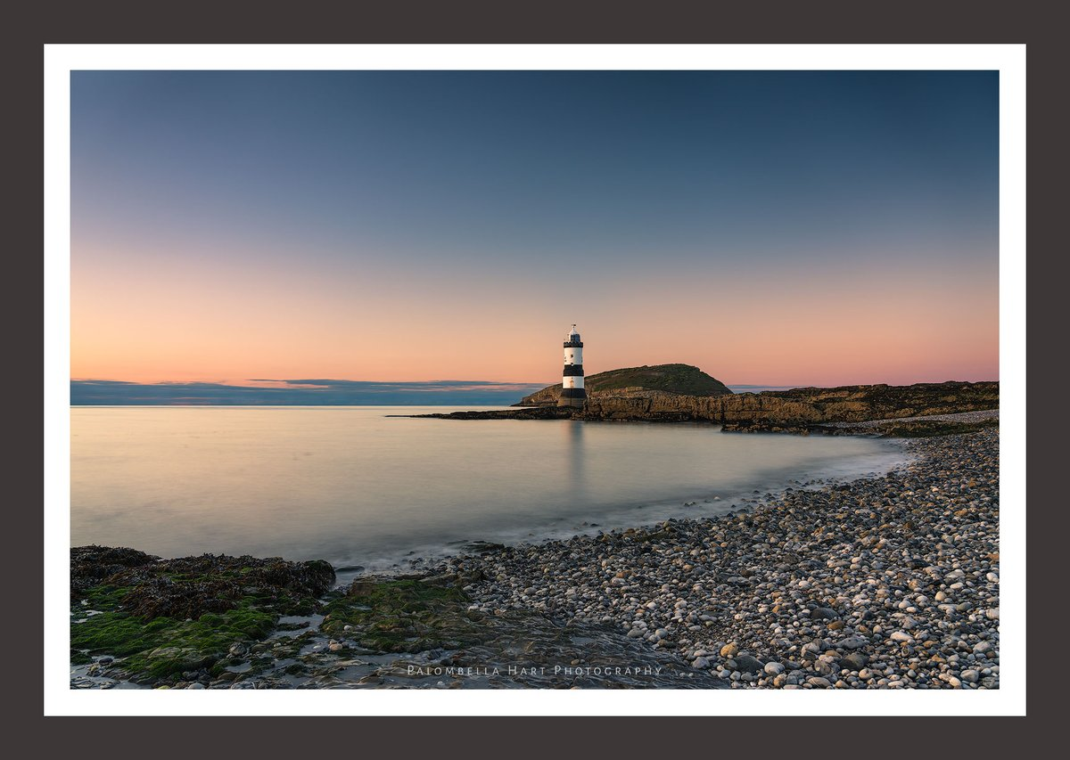 'Hello my old Friend'  #sunset #lighthouse #seascape #longexposure #ThePhotoHour #photography #picoftheday #potd #StormHour #anglesey #NorthWalespic.twitter.com/0Bh37YklR1