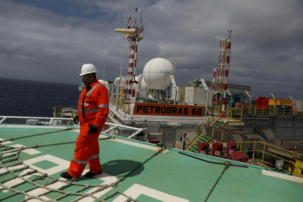 Brazil's offshore oil workers chilled by coronavirus outbreaks https://t.co/bz0QF2QGRV https://t.co/7su1OVlMJE