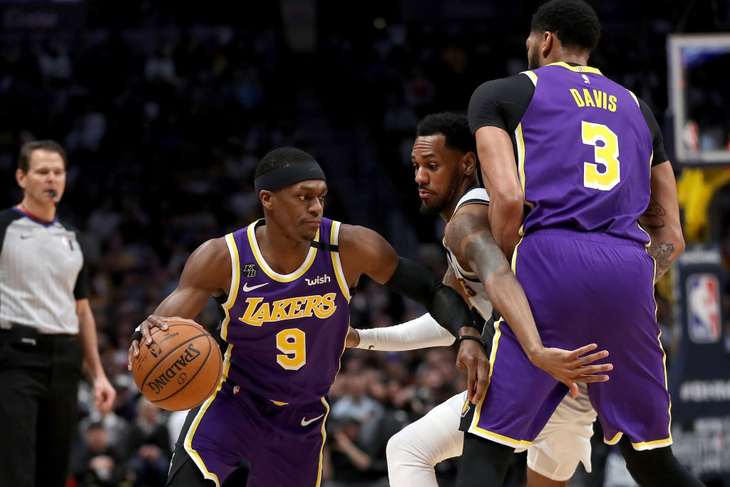 NEW: #Lakers guard Rajon Rondo will be out 6 to 8 weeks after fracturing his thumb during practice Sunday in Orlando.  https://t.co/vthg5N3MvT https://t.co/j8gqSRMRDt