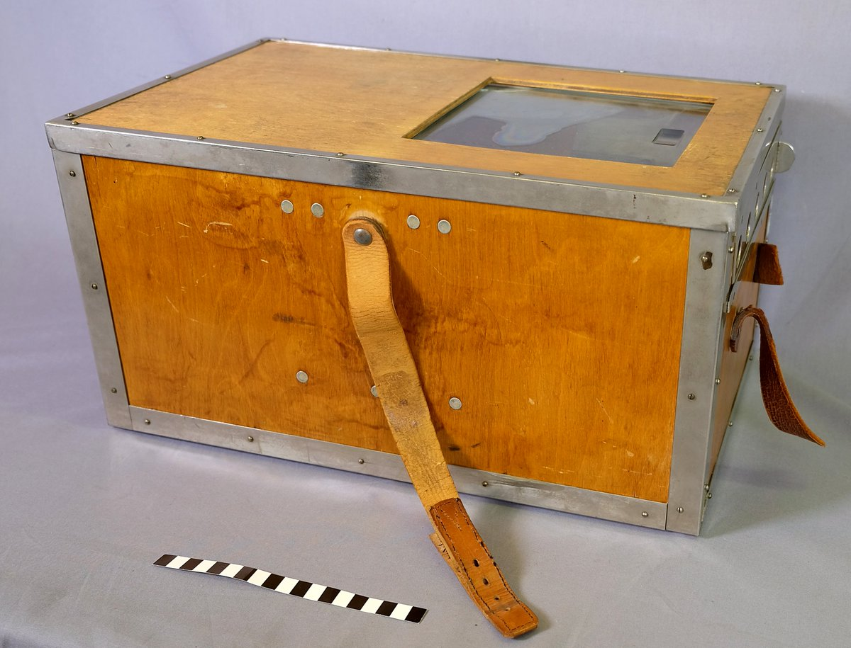 Latest #CuratorBattle challenge is #TremendousTransport. What could be more tremendous than this container for premature babies from the Children's Castle Hospital? It was used in the 1950s and 1960s to move babies from every side of Finland to receive hospital care in Helsinki.pic.twitter.com/NS0dO5tmJ8