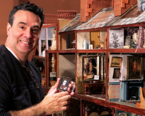 Here's the REPLAY from my MEGA Miniature virtual tour of #Nybelwyck Hall, the fantastical 24 room dollhouse at @HudsonRivMuseum! https://t.co/76KcPvkqHk #Miniatures #DOLLHOUSE #MINI https://t.co/WyzRMy3i6m