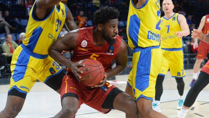 Zenit Basketbol Takımı, geçen sezon Galatasaray Doğa Sigorta forması giyen ABD'li pota altı oyuncusu Alex Poythress'i kadrosuna kattı.  --> https://t.co/xtwAG8f5vn https://t.co/SIYbAqypy8