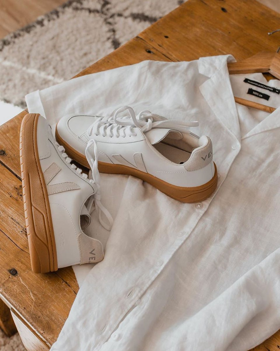 They're back in stock!  Our V-12 White Gum Sole are made out of ChromeFree leather, suede, soft lining (33% organic cotton & 67% of recycled polyester) and Amazonian rubber.   Available here: https://t.co/5DFaeS5YWj. #veja #vejav12 https://t.co/9PyYVlWLiv