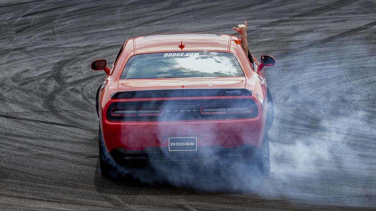 Drop a 🤙  #Dodge #DodgeChallenger https://t.co/irl5LAn7fL