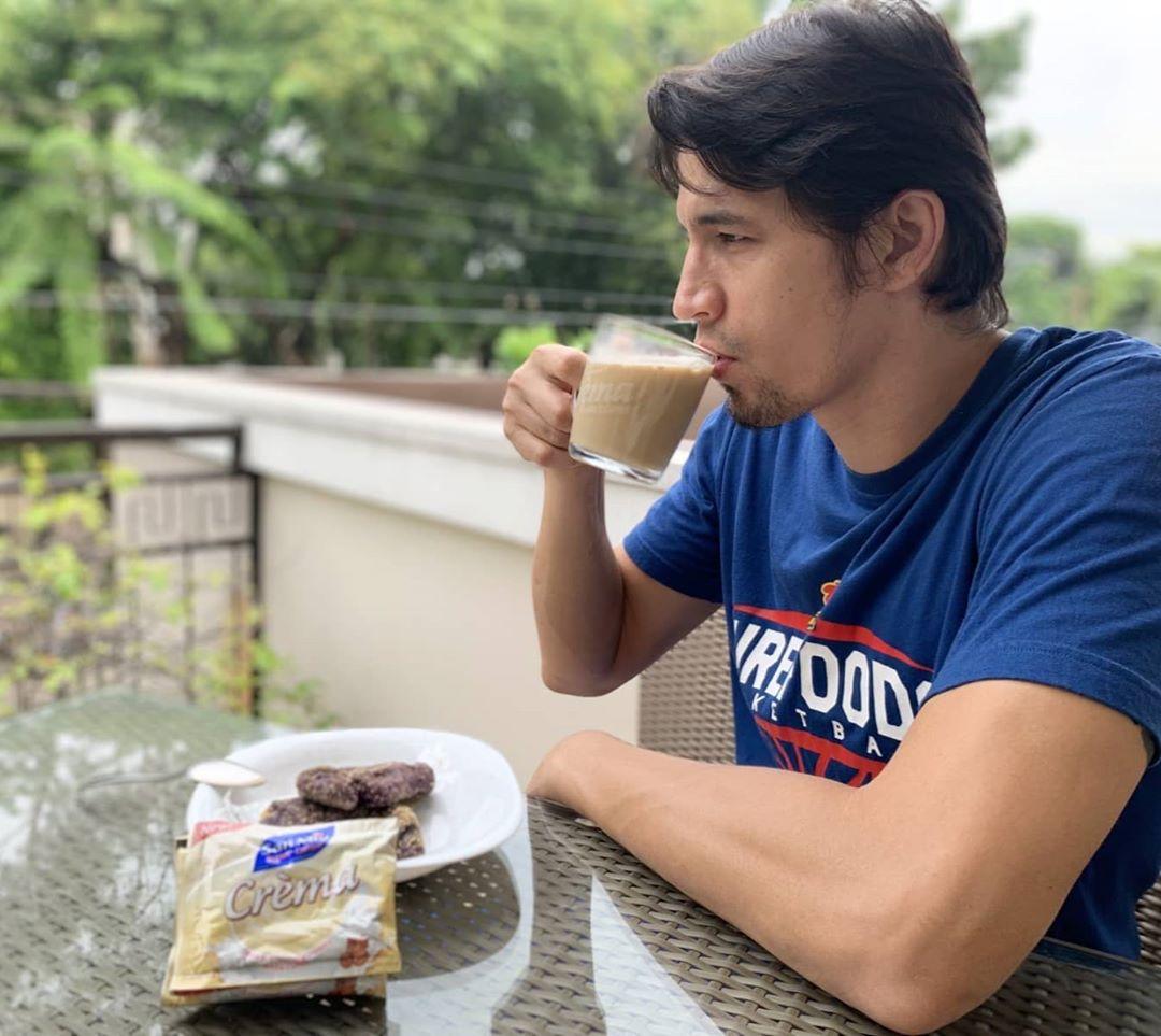 Nag-level up na ang Pinoy Sakuragi! Mag-level up na rin kayo with the NEW San Mig Crèma White Coffee! Level up sa aroma, level up sa creaminess, at level up sa sarap. Alamin ang level up story ni Marc Pingris: