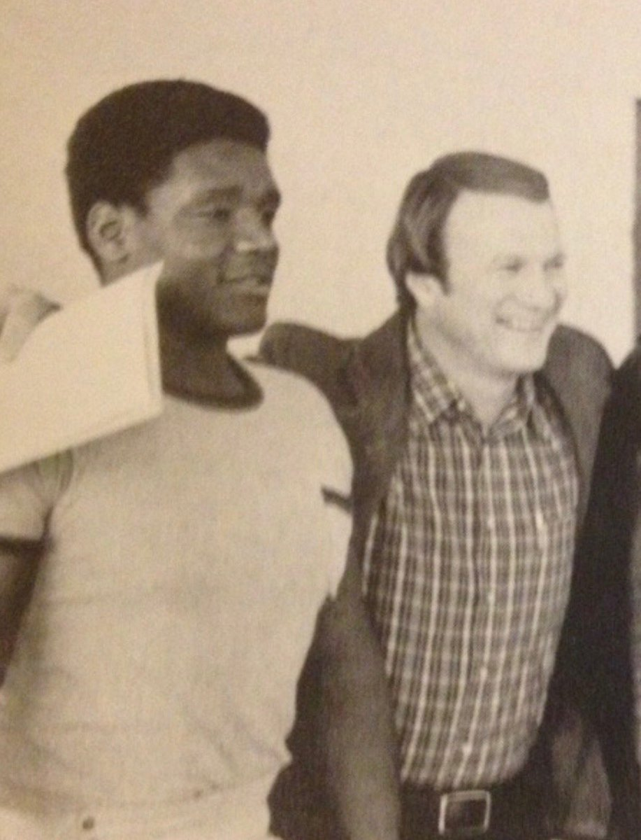 National signing date in spring of 1979! John Blake becomes a Sooner! Played for me, coached for me both Oklahoma and Dallas Cowboys! Loved him like a son! ⁦@OU_Football⁩ https://t.co/wxqZgvbZjK