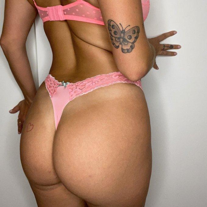 bra and panty set by @karleegreyxxx https://t.co/yZQ29JW63g Find it on #ManyVids! https://t.co/qqcNU