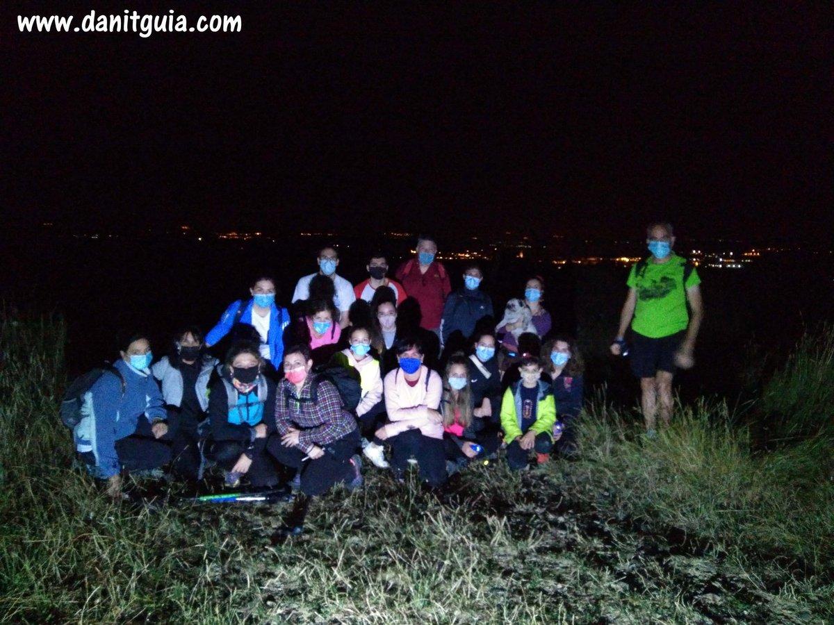 Buen ambiente durante la excursión nocturna con este grupo de #santodomingodelacalzada  https://t.co/HvxRs7Lvr8 #valledeloja #Ezcaray @info_ezcaray  #naturaleza #bike #montaña #ebikes #guiasdemontaña #bicicletas #mtb #senderismo #btt #mtbguide #specialized  #alquilerdebicicletas https://t.co/ON1CL7ndGT