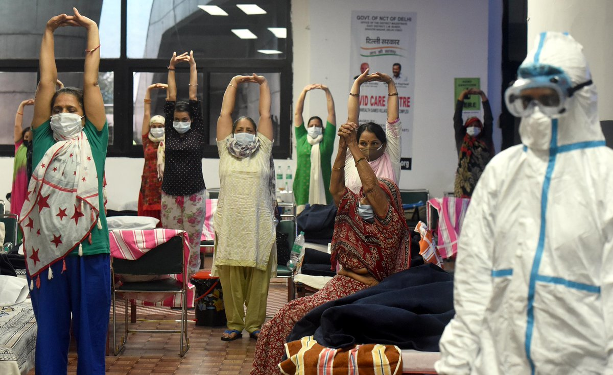 Cctv On Twitter Wearing Masks And Maintaining Social Distance Infected Patients Performed Yoga At A Covid 19 Care Center In New Delhi India On July 22 Coronavirus Worldnews Https T Co Xwfploqxxk