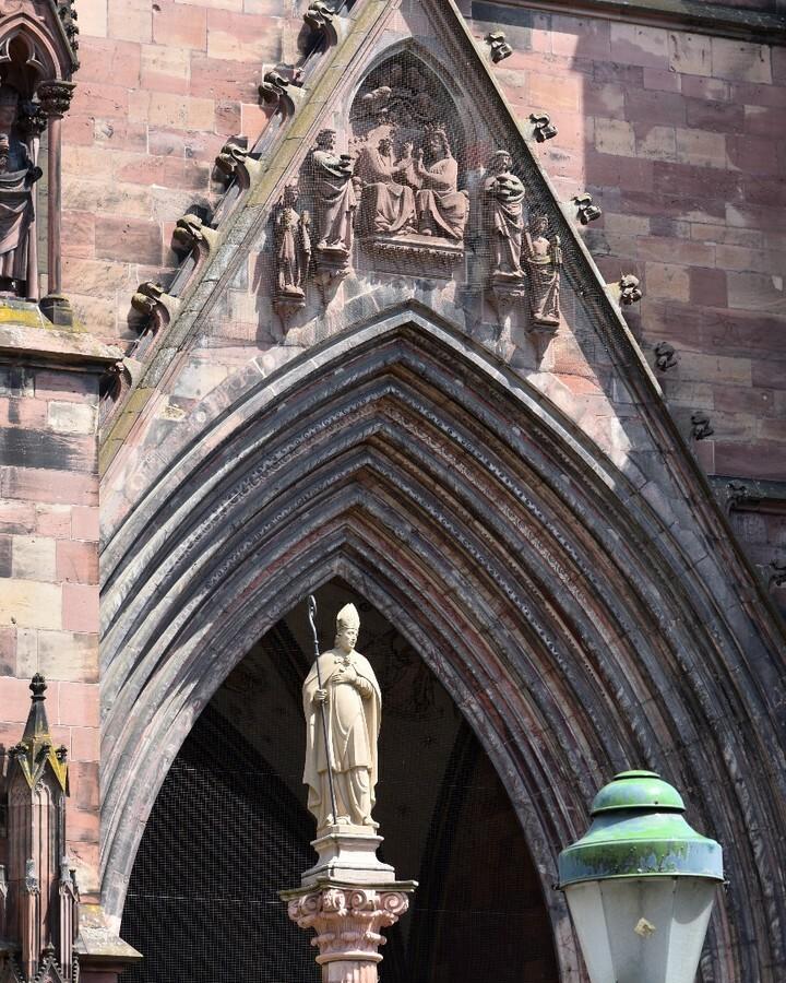 Freiburger Münster #freiburg #germany #deutschland #europe #photo #photography #picture #nikon #nikonfoto #nikonphotography #nikonphoto #nikonphoto_ #zoomnl #iamnikon #nikonfotografie #nikonnl #nikkor #flickrfeature #beautiful #religion #history #old #bu… https://instagr.am/p/CDGeKHQhrm8/pic.twitter.com/PagLaOa6Sz