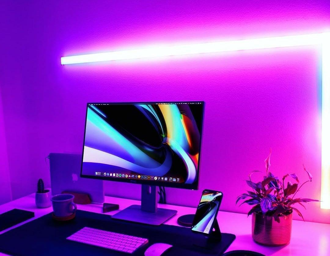Rate this 1-10 .   Macsetup #macsetup #minimalist #minimalsetups #designyourworkspace #workstation #workstations #workstationsetup #macbook #desktop #desksetups #desktopdesign #techblogger #techgadget #reviews #review #desk #desksetup #setupyourworkspacepic.twitter.com/EvsXxKFdDF