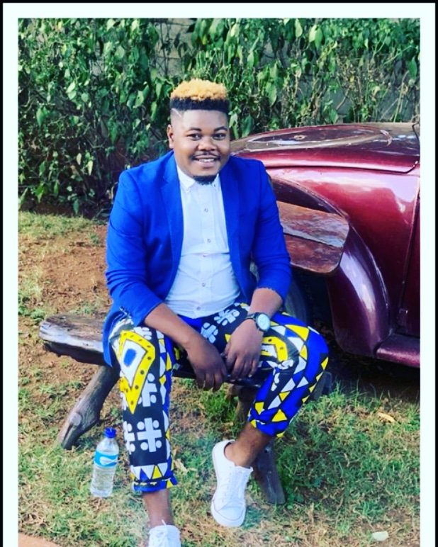 The category was Dazzling Blue and @june_waters didnt come to play with yall in his blue blazer and #byBAKARI Nguni print pants.   #fashionlovers#outfitoftheday#fashionweek#fashionaddict#fashionistas#fashiongram#fashionstyle#fashionable#fashionista#style #ootdstylepic.twitter.com/5VJMiZsQwr