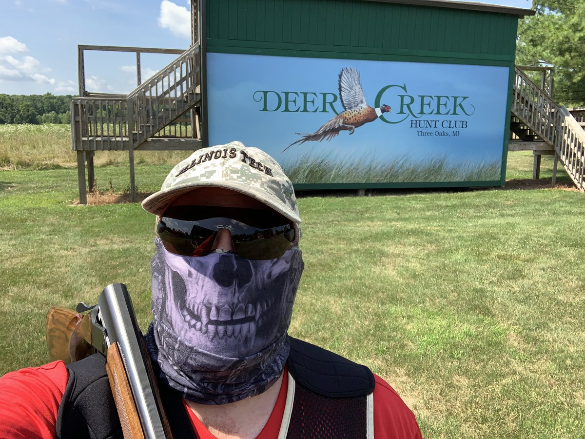 It's a beautiful day out here at Deer Creek today. #sportingclays #clayshooting #blaserf16pic.twitter.com/hVoHUXohmx