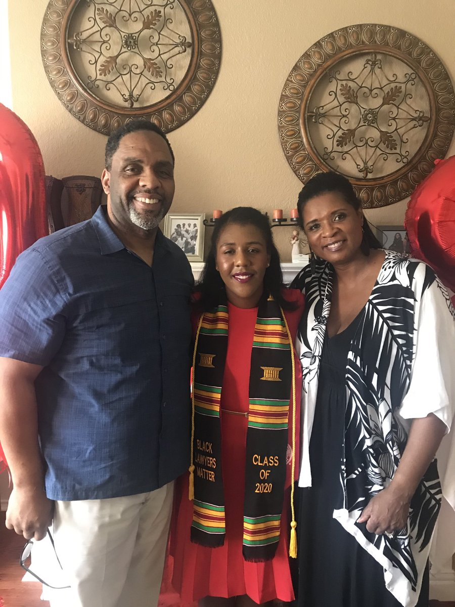 John Blake's sister, Cinthya, married Ceasar Rentae from Hartshorne Ok. A Sooner coached by John! Their daughter, Carra, graduated Stanford and Stanford Law! Ceasar,s parents never spoke a word to him nor ever heard a word spoken from him! Both Deaf Mutes! ⁦@OU_Football⁩ https://t.co/GWIEHk7ovy