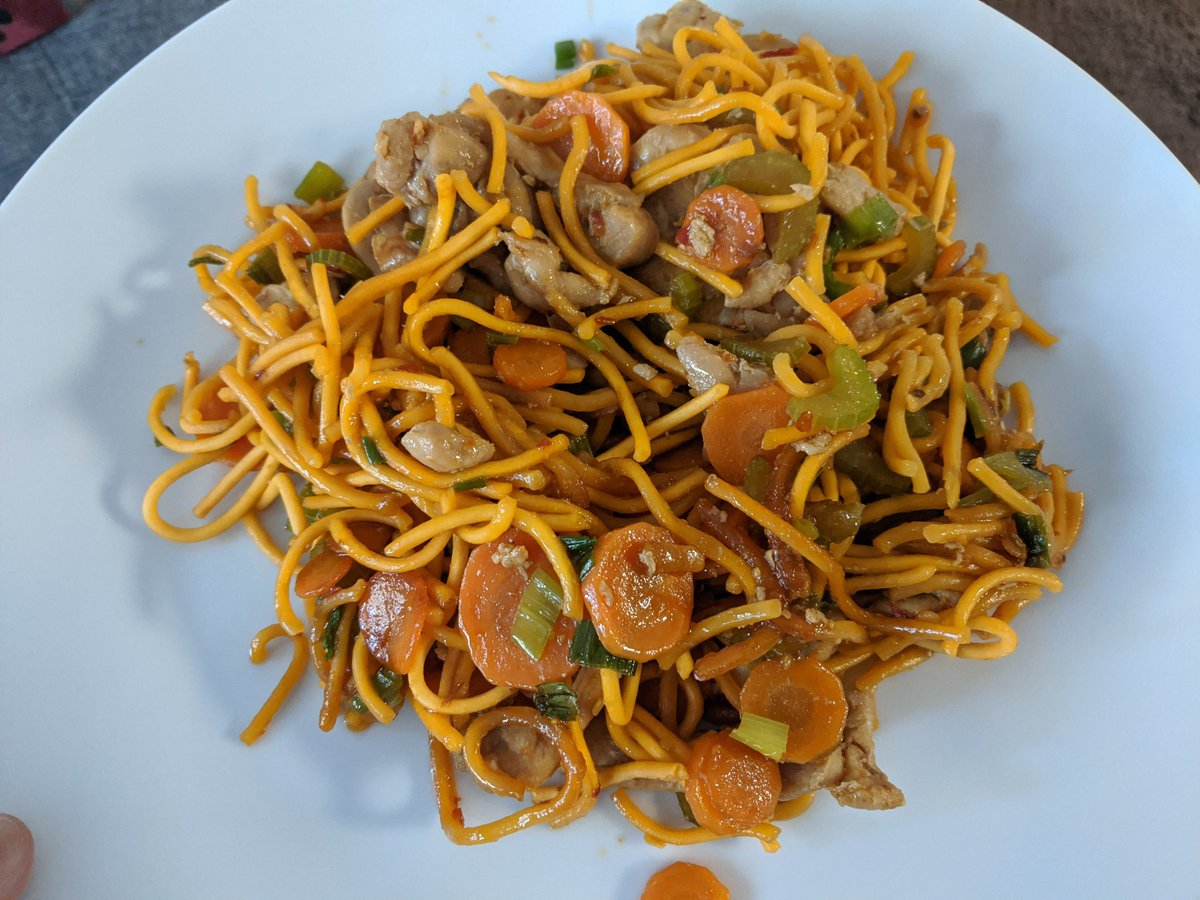 Paul Taylor On Twitter Thanks Chow Mein Noodles With Chicken Veg Bunch Of Soy Sauce Bit Of Sesame Sauce And That S Pretty Much It